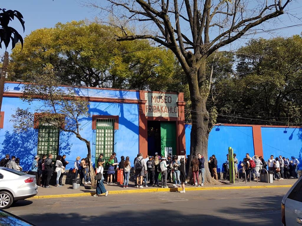 Queues waiting outside to enter the Blue House of Frida Kahlo in Mexico City
