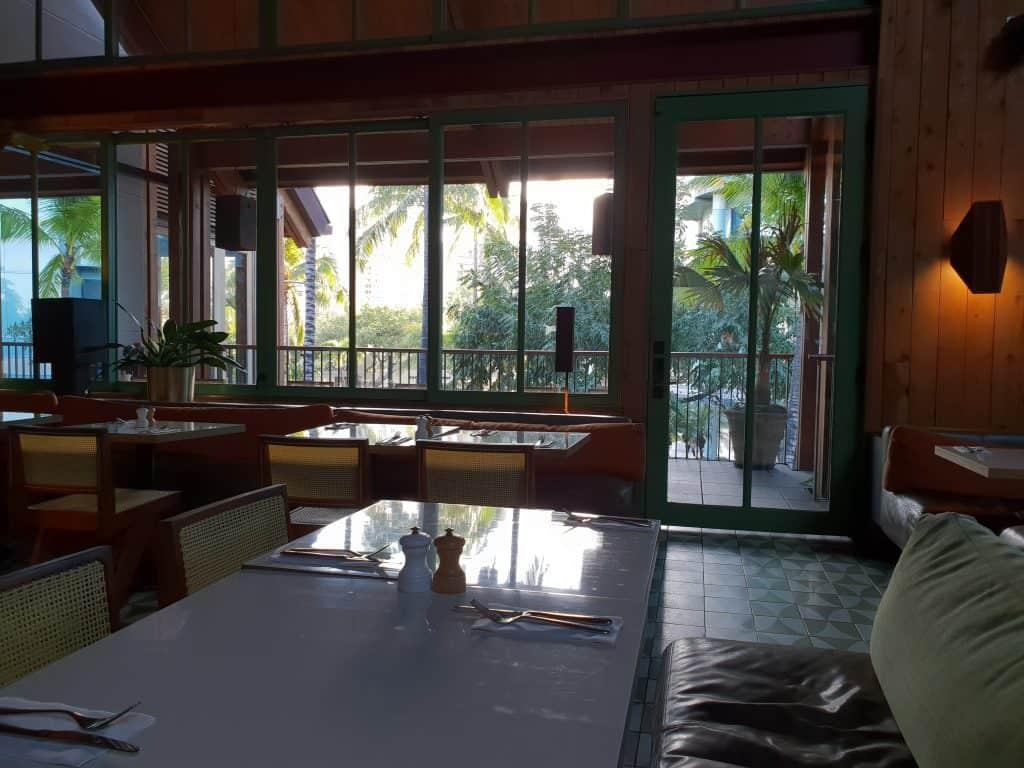 Inside Bills Hawaii, Waikiki