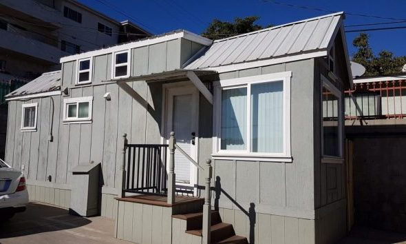 Exterior of the Cozy Casita Airbnb, a tiny house in Los Angeles