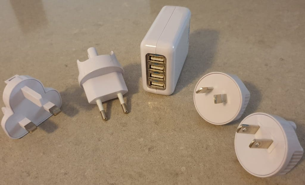 Multi-USB travel charger