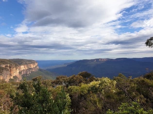 View of Jamison Valley and Mount Solitary from Jamison Lookout in Wentworth Falls