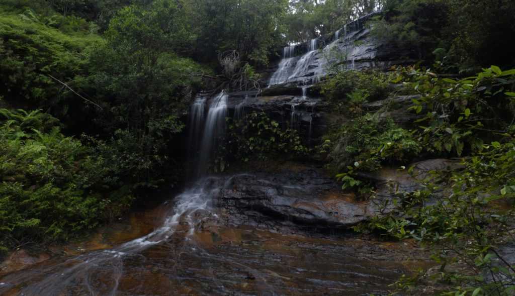 Image of Cataract Falls on the Lawson Waterfall circuit taken from front right