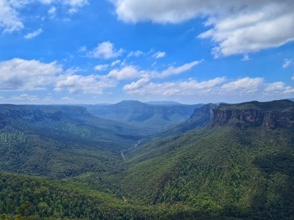 View out over the Grose Valley from Evans Lookout in Blackheath, the starting opint for the Grand Canyon track
